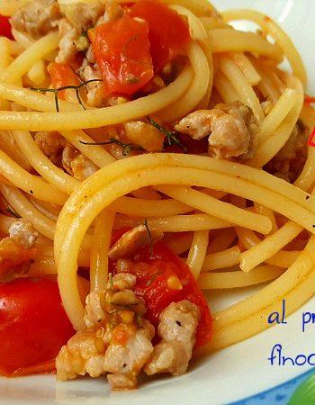 spaghetti-salsiccia-pomodorini-e-finocchietto-selvatico